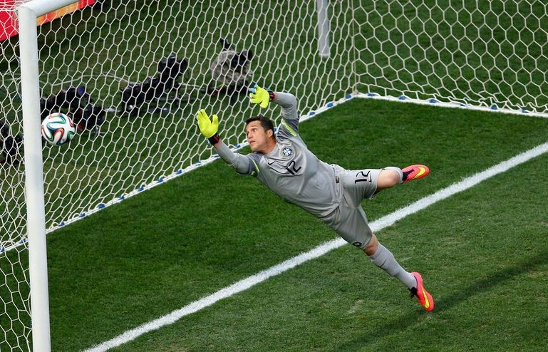 Julio-Cesar-of-Brazil-tries-to-make-a-save