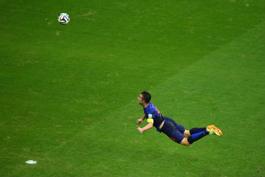 robin-van-persie-flying-header-goal
